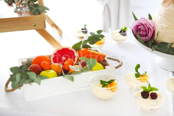 Snoep bar cake tiramisu citrus verjaardag Stockfoto © dashapetrenko