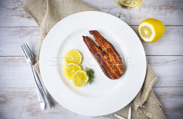 Zalm biefstuk gegrild citroen witte wijn top Stockfoto © dashapetrenko
