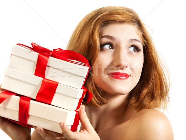 Belo jovem morena menina presentes decorado Foto stock © dashapetrenko