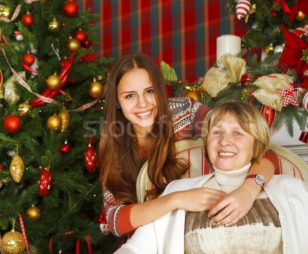 Avó adolescente neta árvore de natal retrato feliz Foto stock © dashapetrenko