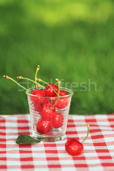 Süß Kirschen Glas Serviette Essen Obst Stock foto © dashapetrenko