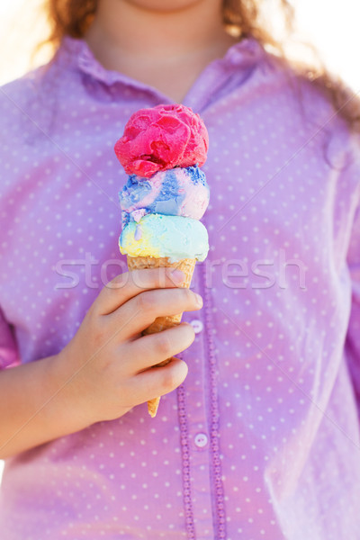 Lány tart fagylalttölcsér kezek kicsi kint Stock fotó © dashapetrenko