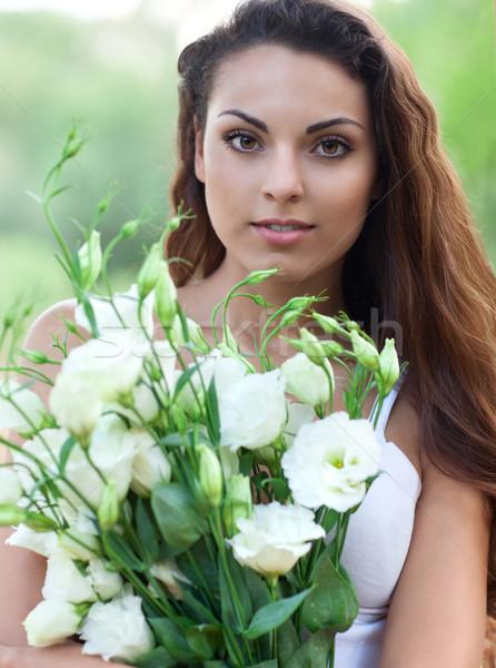 Mooie vrouw veld bloemen mooie openhartig zorgeloos Stockfoto © dashapetrenko