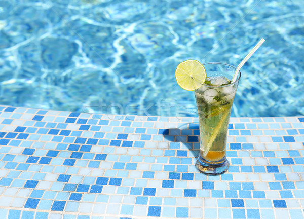 Glas limonade mojito zwembad voedsel achtergrond Stockfoto © dashapetrenko