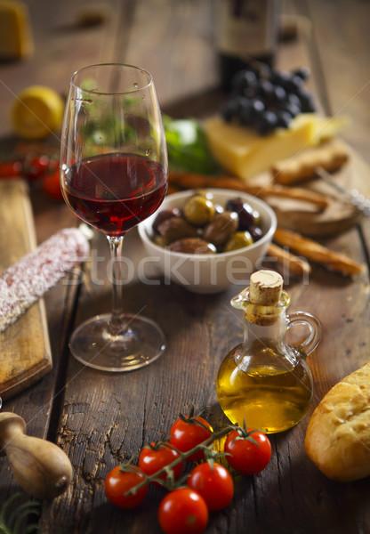 Cucina italiana ingredienti legno vino rosso vino vetro Foto d'archivio © dashapetrenko