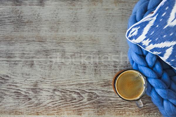 Mavi yastık battaniye fincan kahve ahşap Stok fotoğraf © dashapetrenko