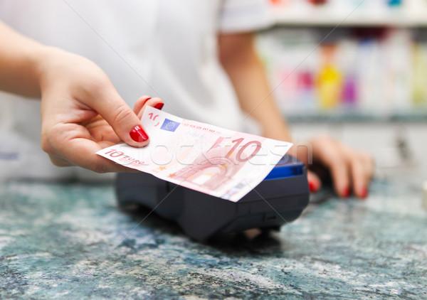 Stock fotó: Fizet · gyógyszer · pénz · gyógyszertár · közelkép · lány