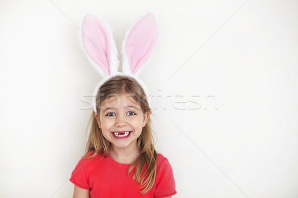 Stok fotoğraf: Mutlu · küçük · kız · komik · tavşan · kulaklar