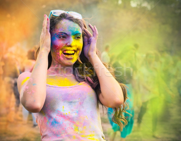 Szczęśliwy młoda dziewczyna kolor festiwalu portret wiosną Zdjęcia stock © dashapetrenko