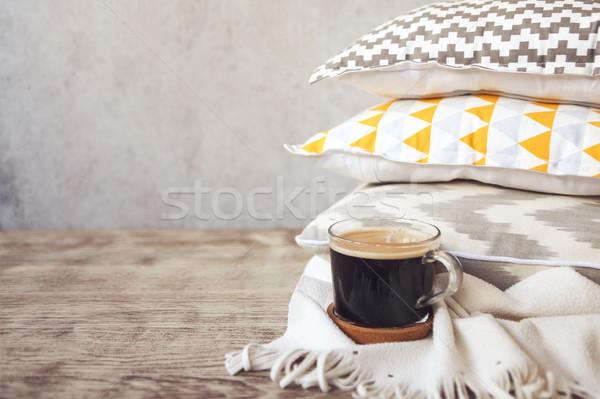 Geel grijs beker koffie muur Stockfoto © dashapetrenko