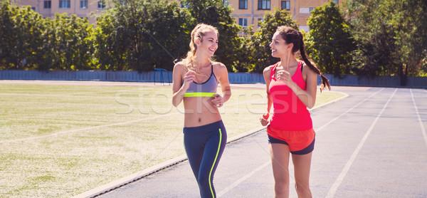 Estádio seguir mulheres verão fitness Foto stock © dashapetrenko