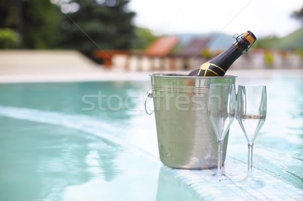 Ijs emmer champagne fles twee bril Stockfoto © dashapetrenko