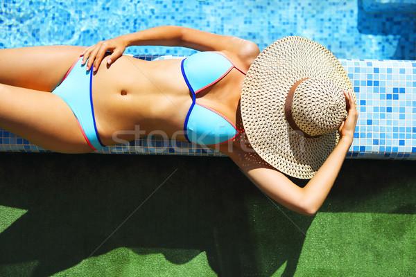 женщину соломенной шляпе расслабляющая бассейна Top мнение Сток-фото © dashapetrenko