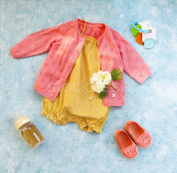 Kicsi gyermek kellékek türkiz kislány virág Stock fotó © dashapetrenko