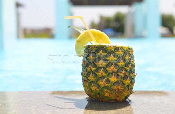 Egzotyczny ananas koktajl basen pina colada słońce Zdjęcia stock © dashapetrenko