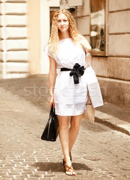 Foto stock: Jóvenes · feliz · mujer · aire · libre · Roma