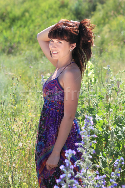 Fille été domaine brunette femme Photo stock © dashapetrenko