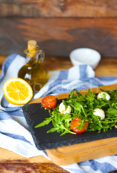 свежие итальянский салат Капрезе моцарелла помидоров темно Сток-фото © dashapetrenko