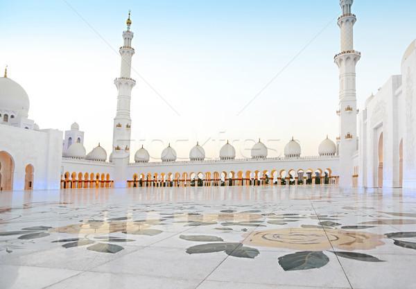 мечети вечер Объединенные Арабские Эмираты Абу-Даби поклонения фары Сток-фото © dashapetrenko