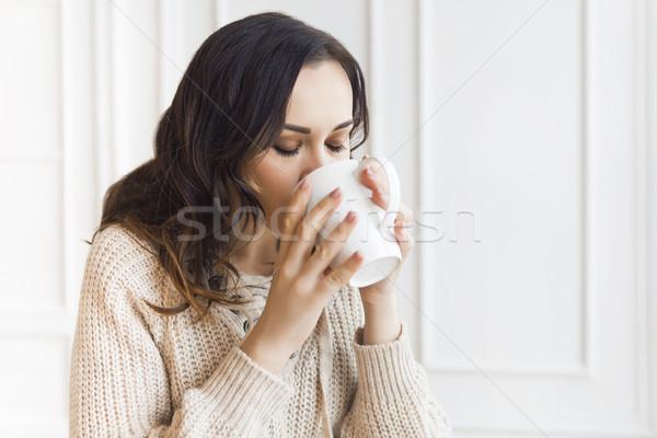 ストックフォト: 小さな · きれいな女性 · 飲料 · コーヒー · 午前 · かなり