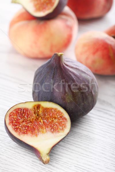 Pêssegos fresco branco comida vermelho Foto stock © dashapetrenko
