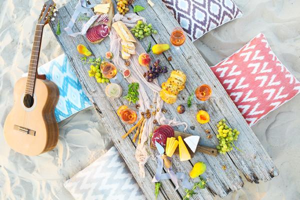 Top strand picknicktafel buitenshuis partij Stockfoto © dashapetrenko
