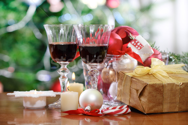 Photo stock: Verres · vin · rouge · Noël · décorations · arbre · de · noël · vacances