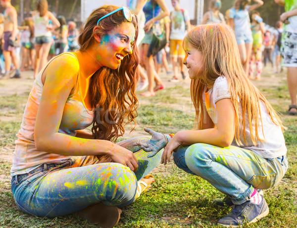 Feliz madre pequeño hija color festival Foto stock © dashapetrenko