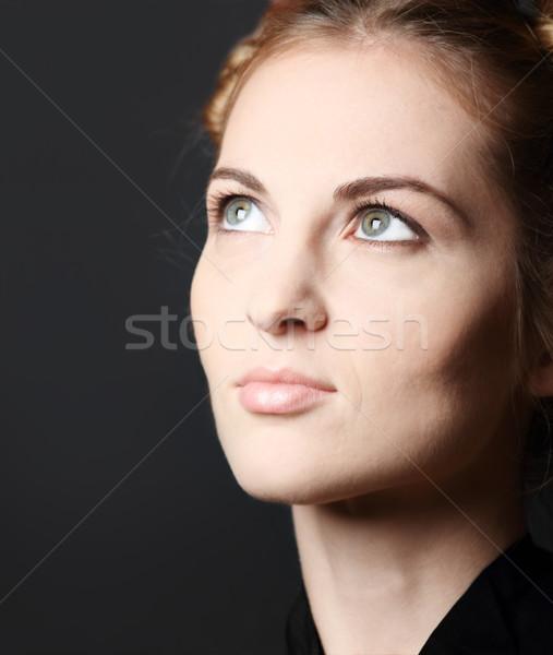Ragazza gli occhi verdi ritratto donna verde Foto d'archivio © dashapetrenko