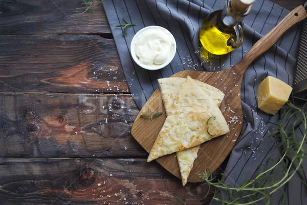 橄欖油 巴馬乾酪 白 迷迭香 自製 傳統 商業照片 © dashapetrenko