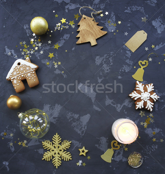 Christmas gouden decoraties kaars peperkoek cookies Stockfoto © dashapetrenko