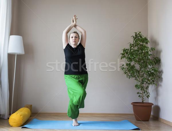 Középkorú nő jóga bent középkorú érett nő nő Stock fotó © dashapetrenko