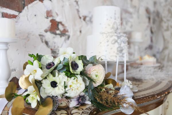 Stock fotó: Esküvői · torta · ezüst · dekoráció · esküvői · csokor · fehér · étel