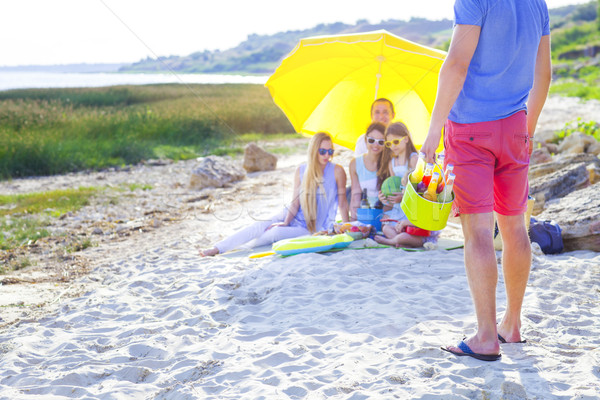Stock foto: Freunde · Sitzung · Sand · Strand · Sommer · Picknick
