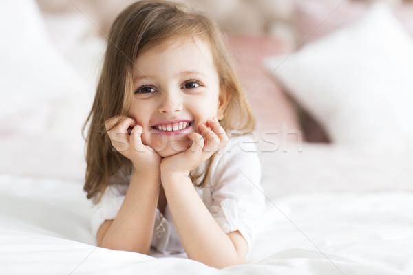 Porträt glücklich wenig cute Mädchen weiß Stock foto © dashapetrenko
