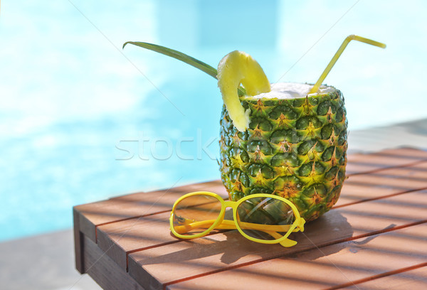 Exótico pina cóctel piscina piña colada sol Foto stock © dashapetrenko