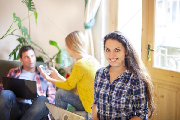 Intercambio nuevos ideas lluvia de ideas colegas gente de negocios Foto stock © dashapetrenko