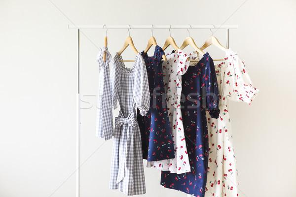 Doek jurken kleding exemplaar ruimte vrouw licht Stockfoto © dashapetrenko
