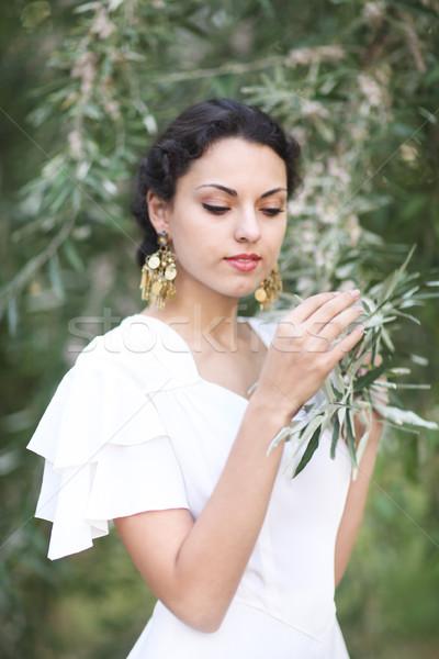 Portret jonge bruid brunette haren witte Stockfoto © dashapetrenko