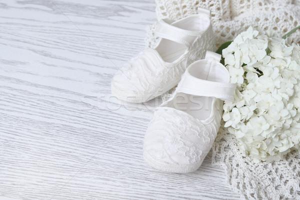 Blanche couverture bébé chaussures vert Photo stock © dashapetrenko