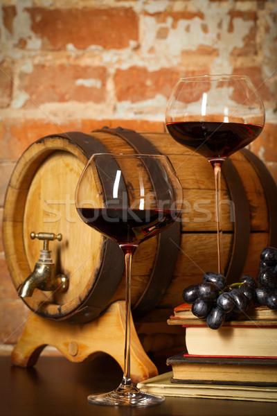 Retro ancora vita vino rosso barile libri vetro Foto d'archivio © dashapetrenko