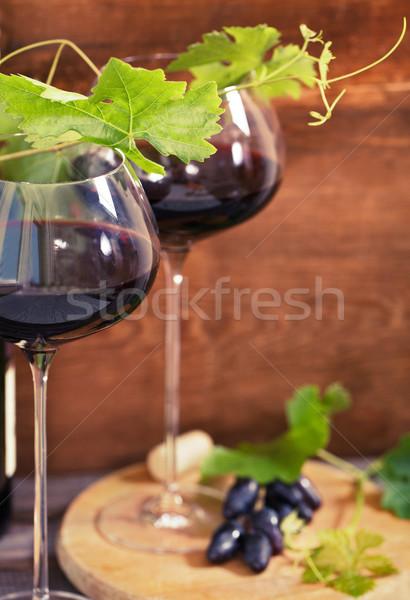 Ancora vita occhiali vino rosso bottiglia vino vetro Foto d'archivio © dashapetrenko