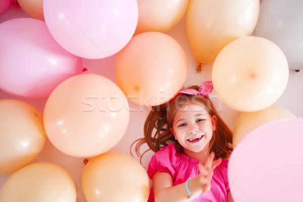 Portret cute meisje retro-stijl ballonnen verjaardag Stockfoto © dashapetrenko