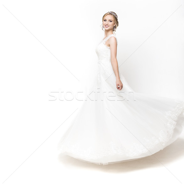 молодые довольно кавказский невеста подвенечное платье студию Сток-фото © dashapetrenko
