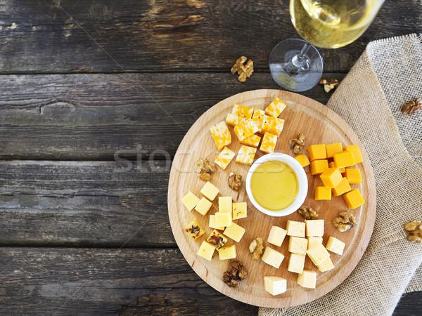 Conjunto diferente vidro vinho branco mesa de madeira topo Foto stock © dashapetrenko