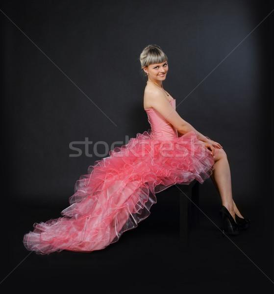 Portrait beauté jeunes blond fille rose Photo stock © dashapetrenko