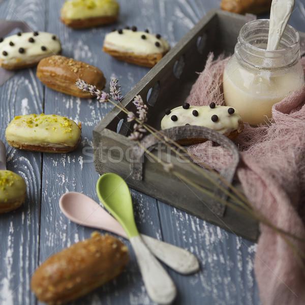 Chocolate chantilly escuro tradicional francês sobremesa Foto stock © dashapetrenko