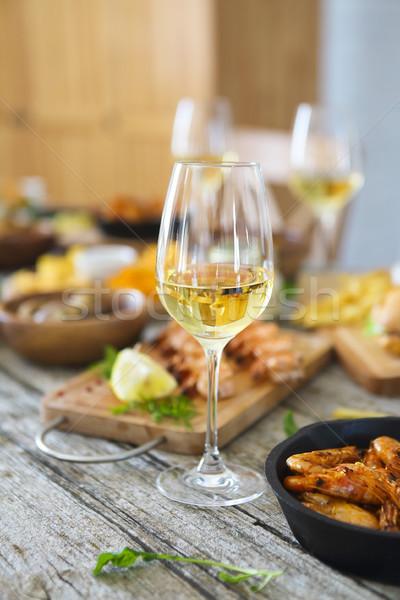 Cam beyaz şarap yemek masası mutfak aile gıda Stok fotoğraf © dashapetrenko