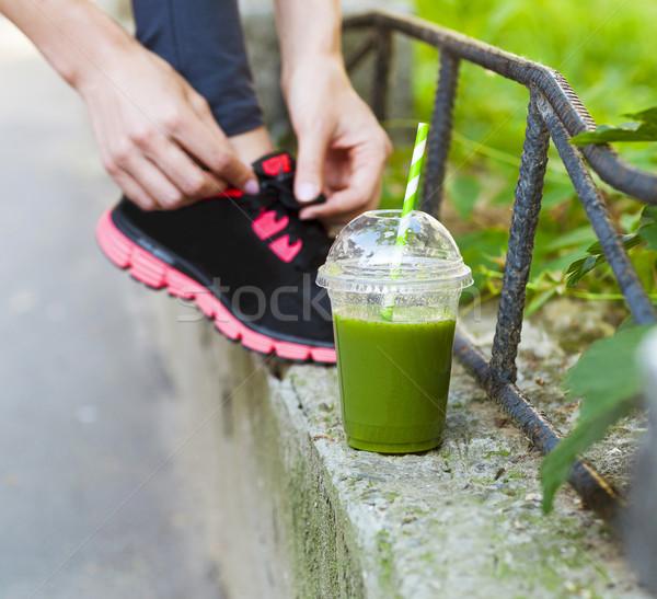 Verde zalamero taza mujer zapatillas Foto stock © dashapetrenko