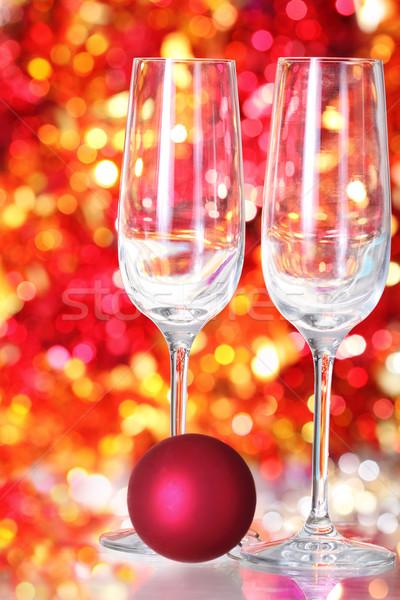 Deux vide verres rouge balle décoration Photo stock © dashapetrenko